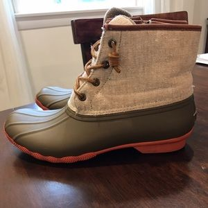 Sperry duck boots 9.5